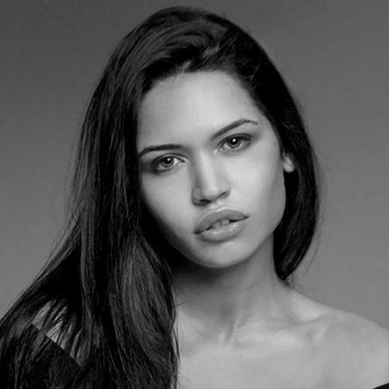 Debora F - Creative Models- Agenzia Modelle Brescia