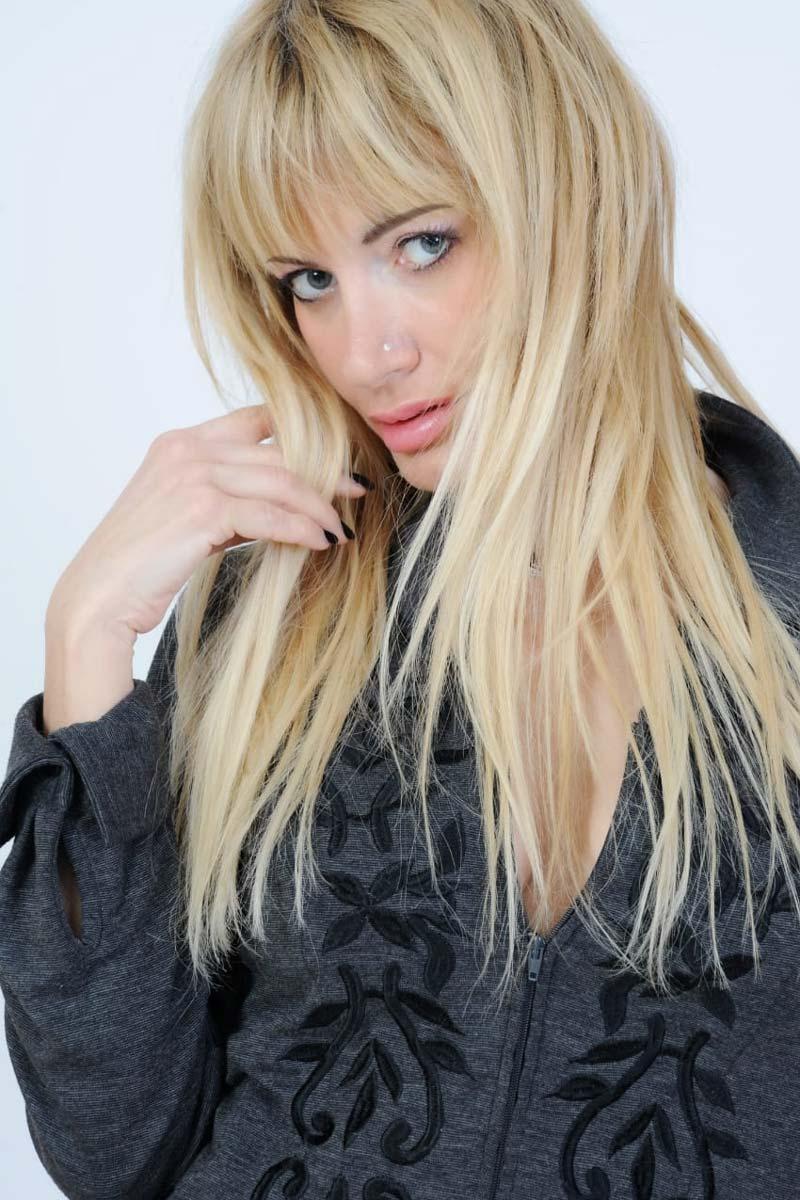 Hely - Creative Models - Agenzia di Modelle Brescia - Modella Over 40