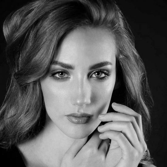Roberta M -Fotomodella - Creative Models - Agenzia Modelle - Brescia