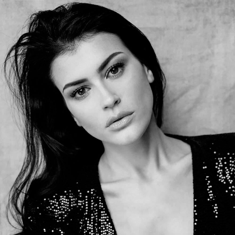 Elisabetta-R-Fotomodella-Creative-Models-Agenzia-Modelle