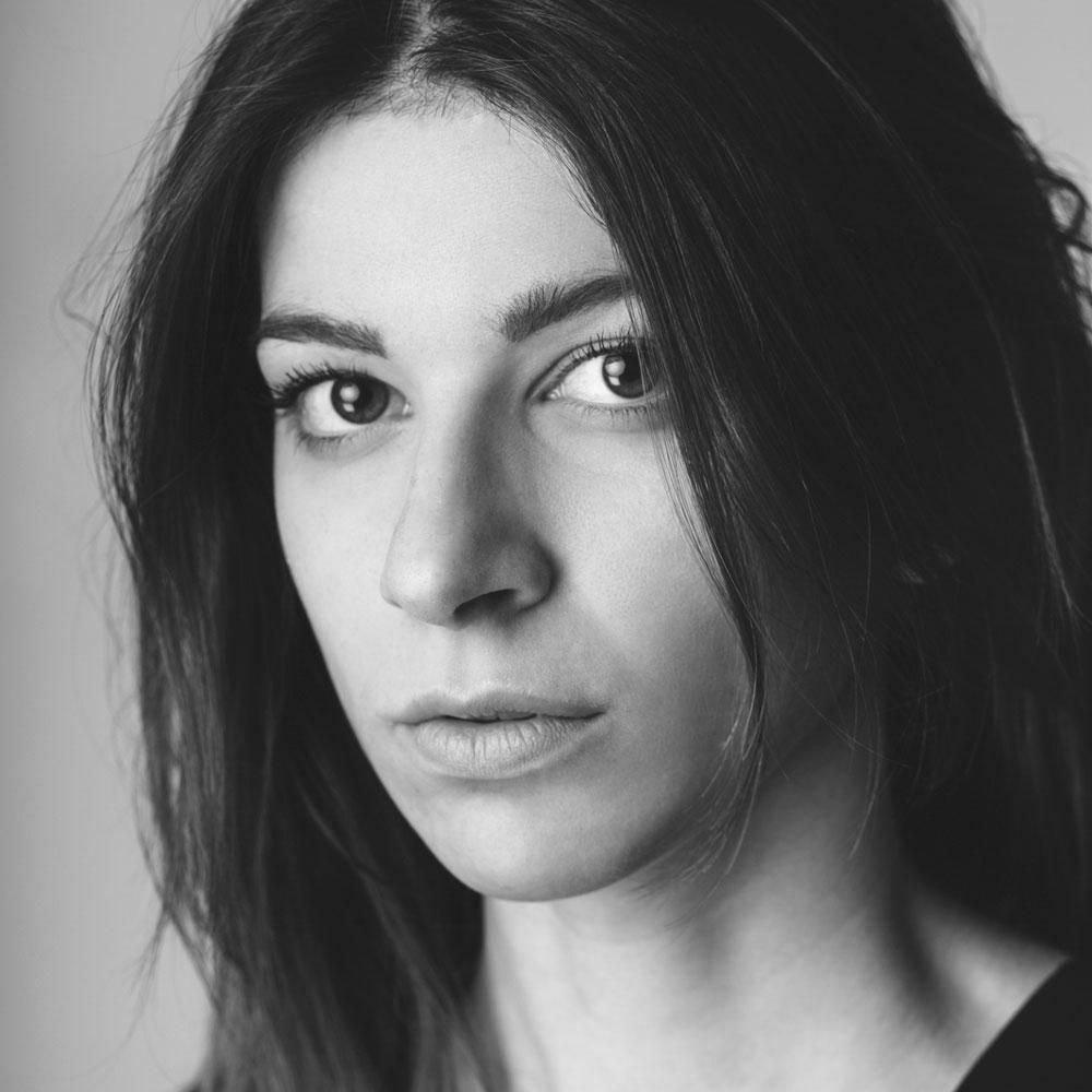 Ester S - Fotomodella - Attrice - Creative Models - Agenzia Modelle Brescia