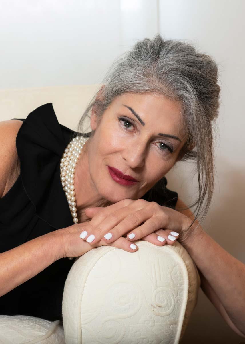 Isabella-International-Photomodel-Over-60-Actress-Agency-Cosmopolitan-Vogue-Marie-Claire-Grazia-Glamour-Elle-Bazaar-London