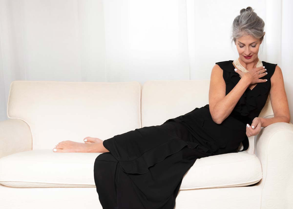 Isabella-International-Photomodel-Over-60-Actress-Agency-Cosmopolitan-Vogue-Marie-Claire-Grazia-Glamour-Elle-Bazaar-Paris