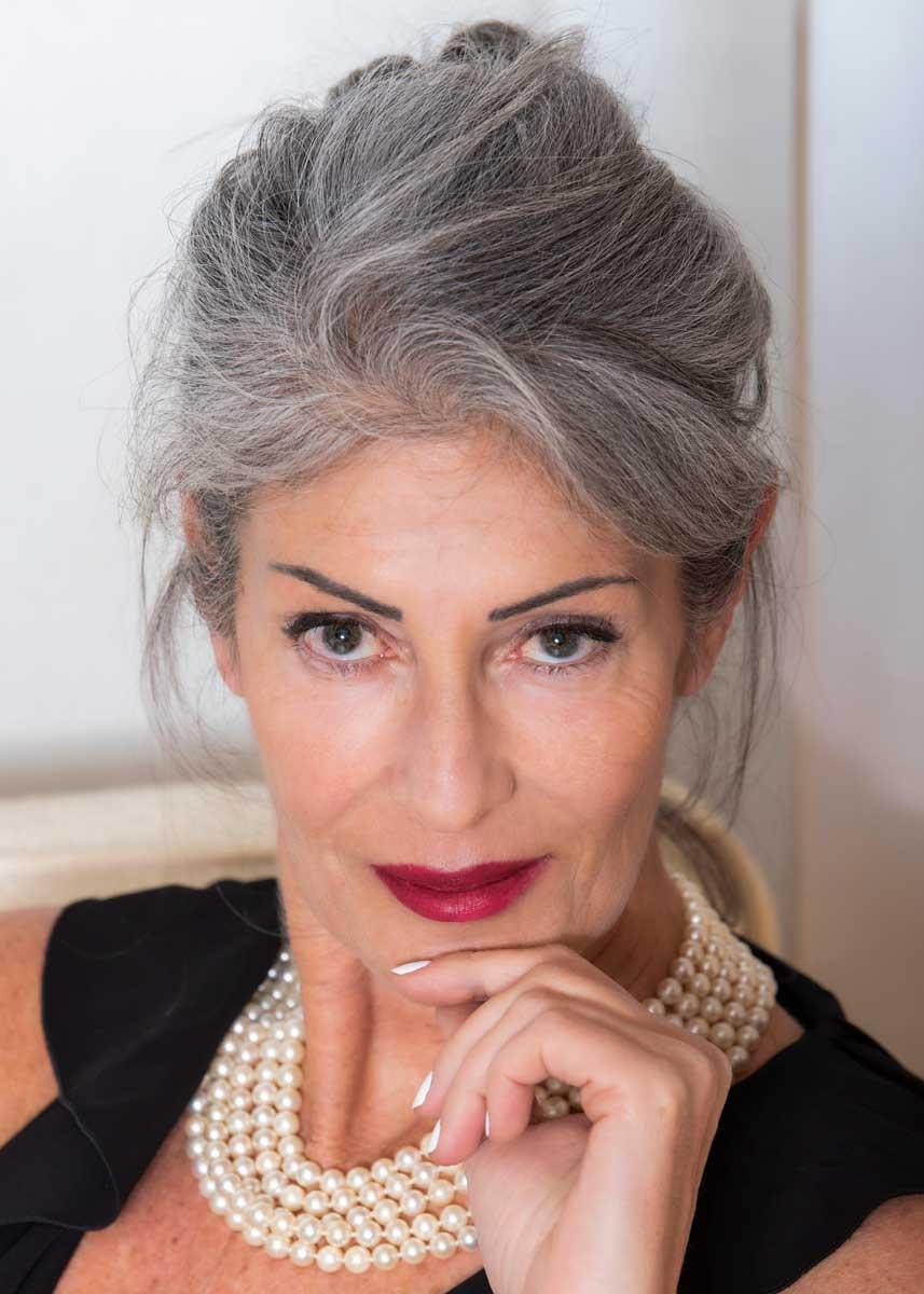 Isabella-International-Photomodel-Over-60-Actress-Agency-Cosmopolitan-Vogue-Marie-Claire-Grazia-Glamour-Elle-Bazaar-Rome-Italian