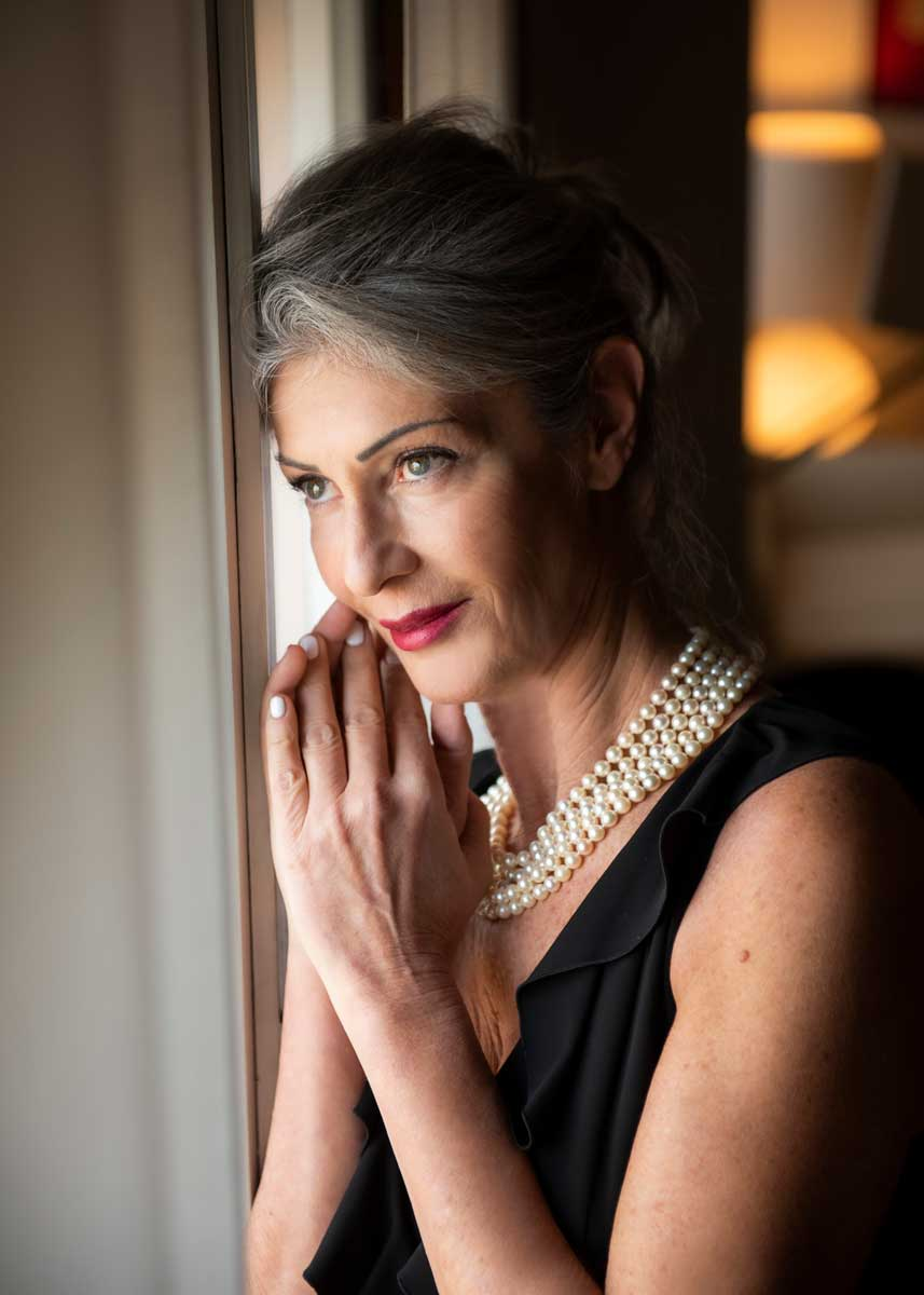 Isabella-International-Photomodel-Over-60-Actress-Agency-Cosmopolitan-Vogue-Marie-Claire-Grazia-Glamour-Elle-Bazaar