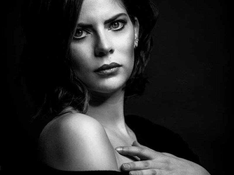 Sara-International-Actres-Models-Agency-Paris-Evidenza