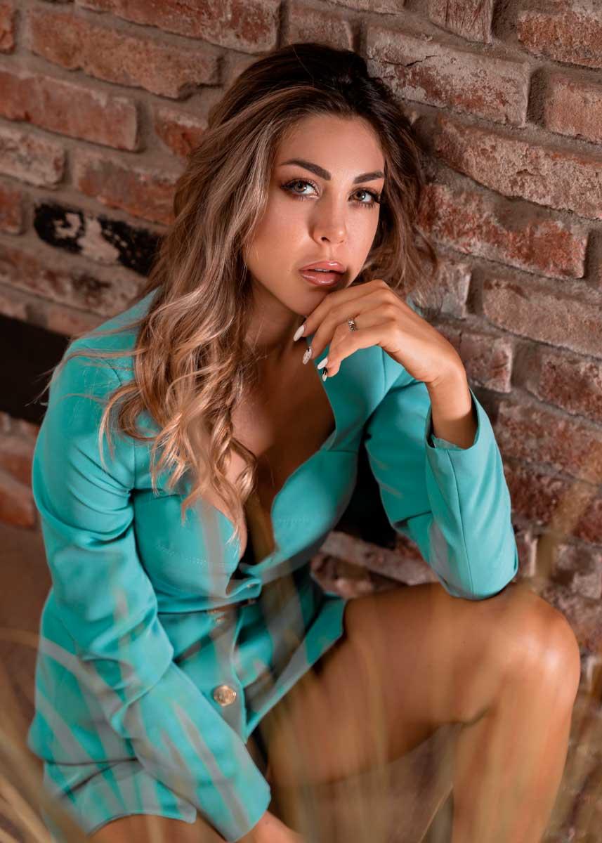 Gemma-International-Photomodel-Agency-Cosmopolitan-Vogue-Marie-Claire-Grazia-Glamour-Elle-Bazaar-Berlino