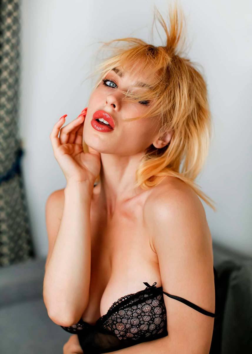 Lorenza-International-Petite-Italian-Photomodel-Agency-Barcellona
