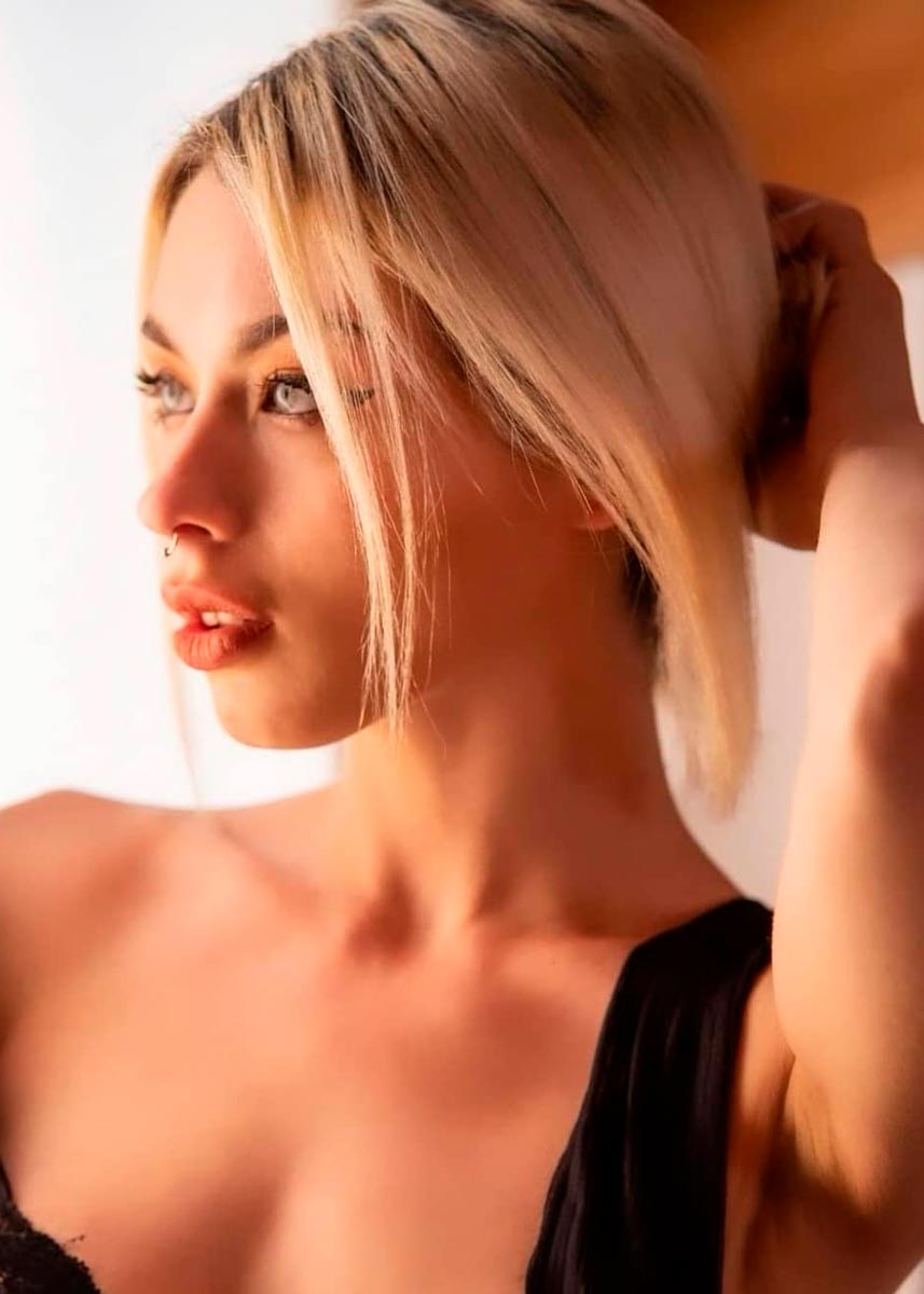 Lorenza-International-Petite-Italian-Photomodel-Agency-New-York