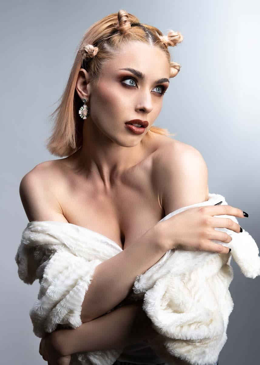 Lorenza-International-Petite-Photomodel-Agency-London