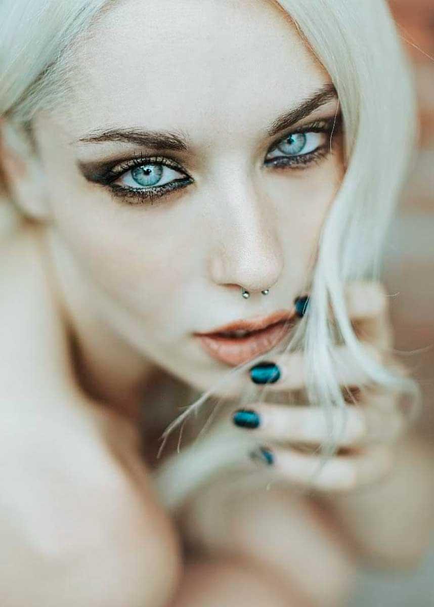 Lorenza-International-Petite-Photomodel-Agency-paris