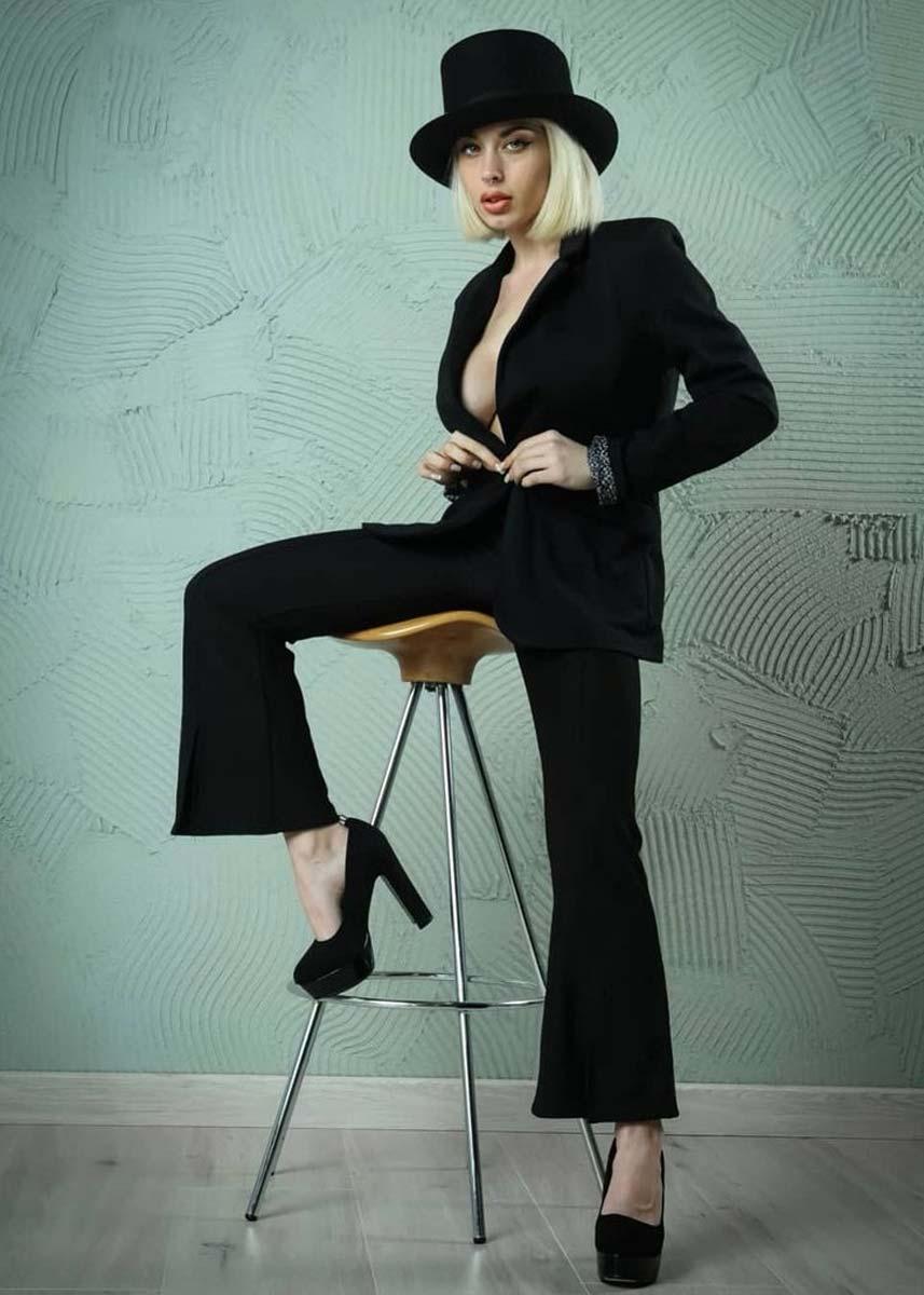 Lorenza-International-Photomodel-Agency-Las-Vegas-Fashion-Week-Vogue-Max-Mara