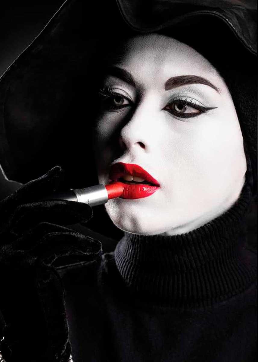 Lorenza-Italian-International-Petite-Photomodel-Agency-London