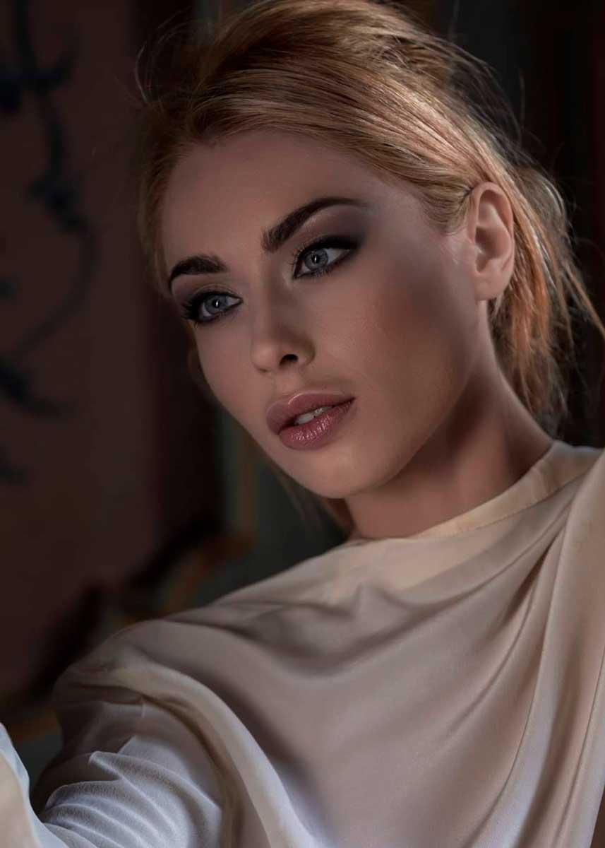 Lorenza-Italian-International-Petite-Photomodel-Agency-New-York