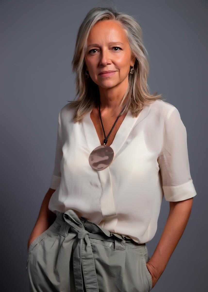 Marta-International-Photomodel-Over-50-Actress-Agency-Cosmopolitan-Vogue-Marie-Claire-Grazia-Glamour-Elle-Bazaar-Berlin