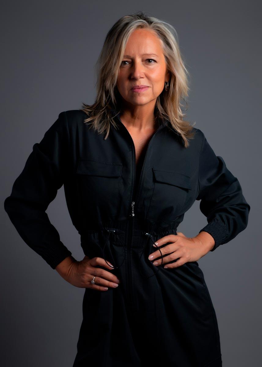 Marta-International-Photomodel-Over-50-Actress-Agency-Cosmopolitan-Vogue-Marie-Claire-Grazia-Glamour-Elle-Bazaar-London-2
