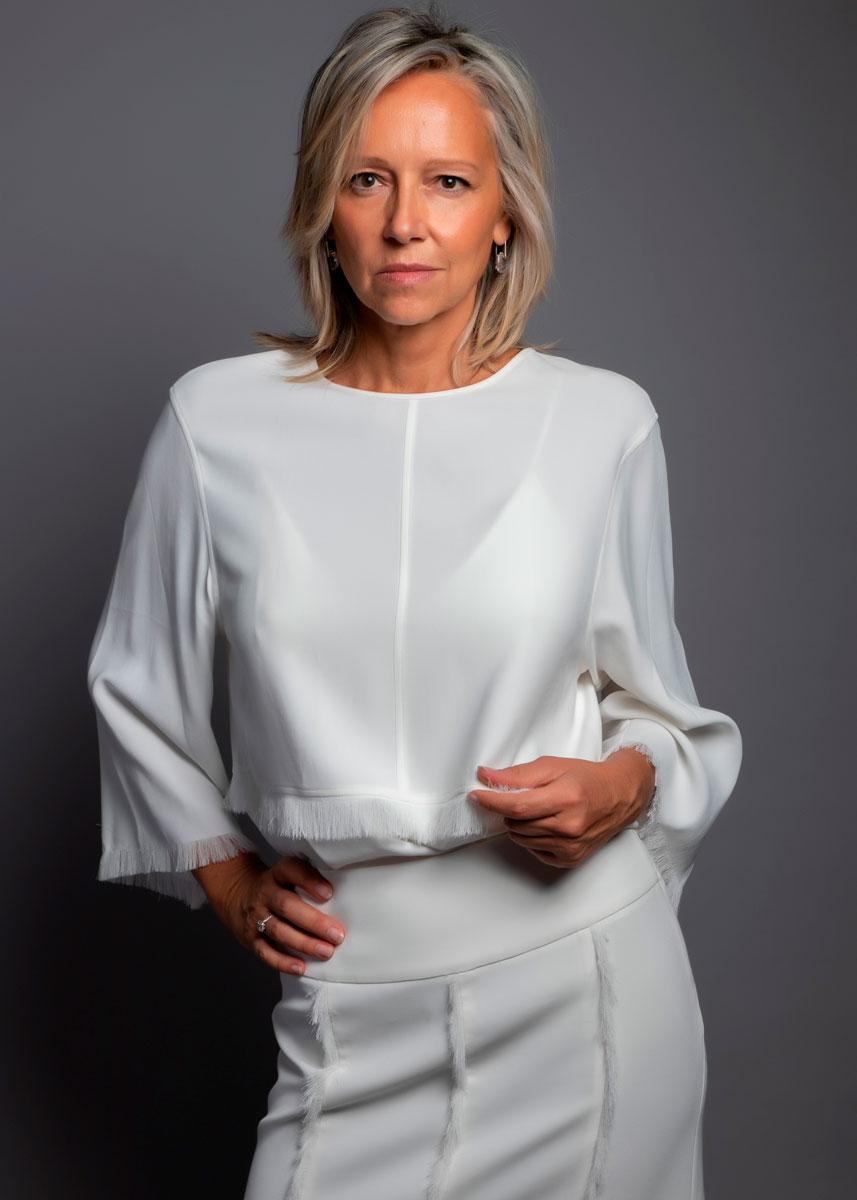 Marta-International-Photomodel-Over-50-Actress-Agency-Cosmopolitan-Vogue-Marie-Claire-Grazia-Glamour-Elle-Bazaar-Paris