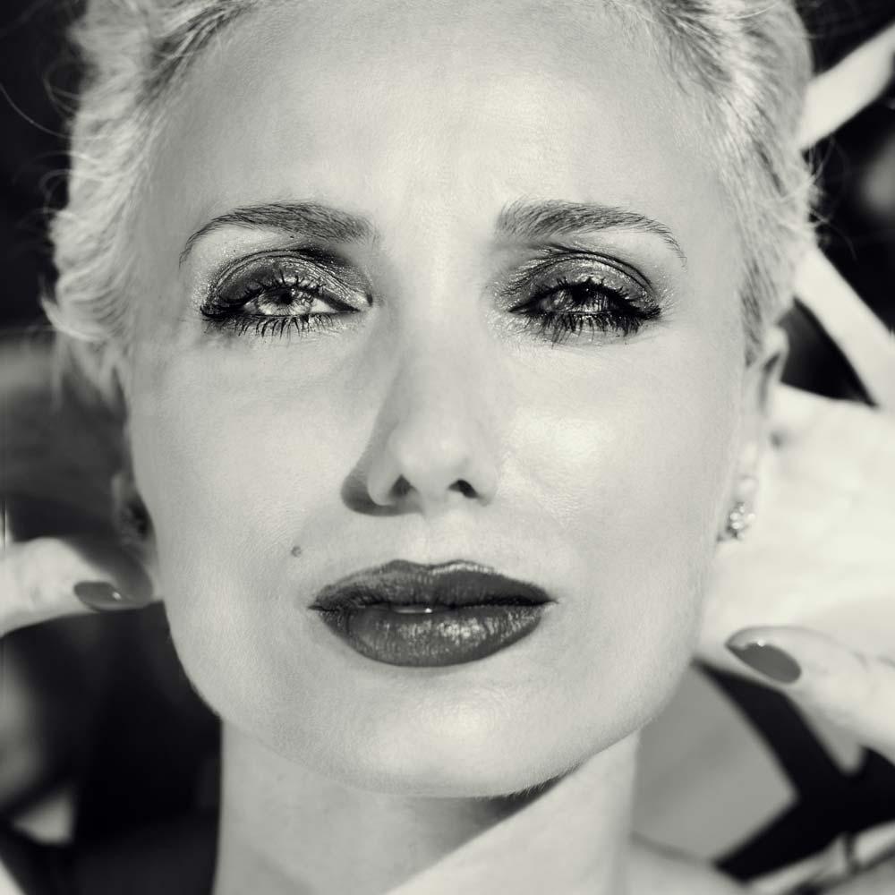 Adriana-International-Photomodel-Actress-Agency-Vogue-Marie-Claire-Elle-Editorial-Magazine-Praga-Film-Festival