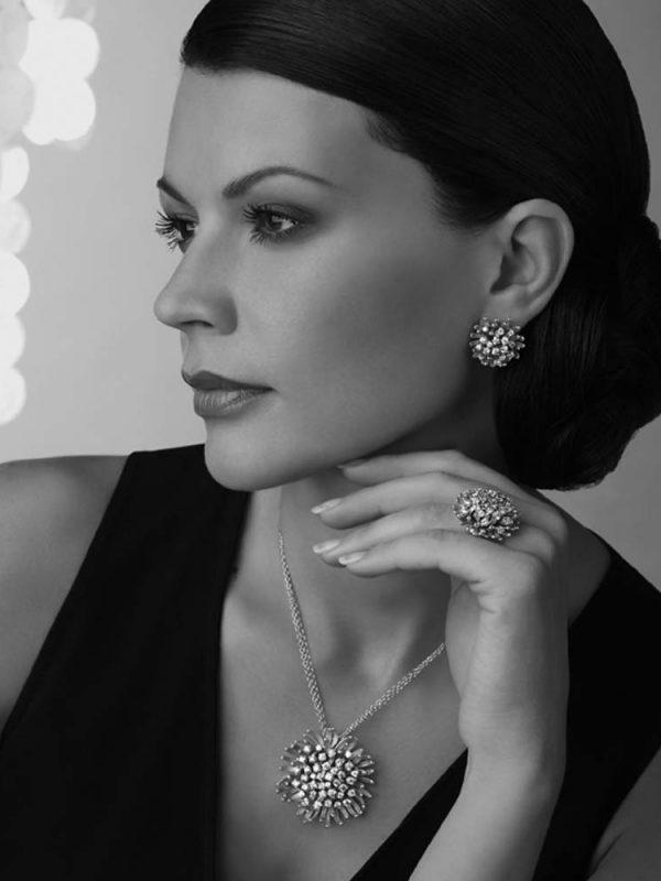 Marcela-International-Photomodel-Actress-Over-Model-MilanoFashionWeek-Milan-Vogue-Cosmopolitan-Elle-Bazaar-Bag-Paris-Fashion-Style